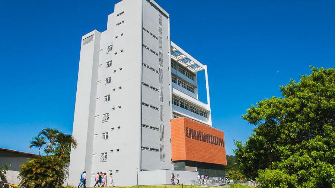 UFSC - Centro de Comunicação e Expressão